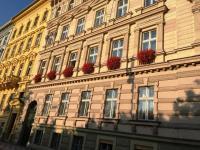 pohled na dům (Pronájem kancelářských prostor 87 m², Praha 5 - Smíchov)