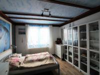 ložnice (Prodej domu v osobním vlastnictví 294 m², Vyžlovka)