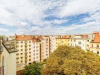 pohled z terasy (Prodej bytu 6+kk v osobním vlastnictví 153 m², Praha 3 - Vinohrady)
