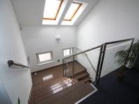 schodiště do posledního patra - Prodej komerčního objektu 1932 m², Pardubice