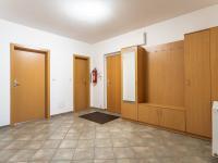 vstupní hala - Prodej kancelářských prostor 118 m², Praha 10 - Hostivař