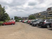 parkoviště před domem - Prodej bytu 4+1 v družstevním vlastnictví 84 m², Praha 9 - Letňany