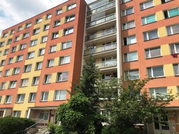 pohled na dům - Prodej bytu 4+1 v družstevním vlastnictví 84 m², Praha 9 - Letňany