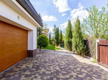 Pronájem domu v osobním vlastnictví 411 m², Praha 10 - Uhříněves