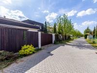 klidná ulice - Pronájem domu v osobním vlastnictví 411 m², Praha 10 - Uhříněves
