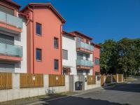 pohled na dům - Prodej bytu 3+kk v osobním vlastnictví 97 m², Praha 9 - Kyje