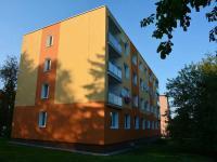 Pohled na dům (Prodej bytu 3+1 v osobním vlastnictví 65 m², Líně)