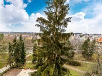 Výhled c (Prodej bytu 2+kk v osobním vlastnictví 63 m², Praha 6 - Břevnov)