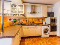 Kuchyň c (Prodej bytu 2+kk v osobním vlastnictví 63 m², Praha 6 - Břevnov)