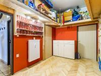 Předsíň a (Prodej bytu 2+kk v osobním vlastnictví 63 m², Praha 6 - Břevnov)