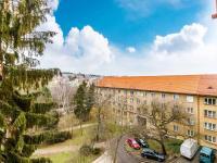Výhled b (Prodej bytu 2+kk v osobním vlastnictví 63 m², Praha 6 - Břevnov)