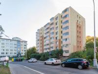 Pohled na dům a (Prodej bytu 2+kk v družstevním vlastnictví 43 m², Praha 6 - Řepy)