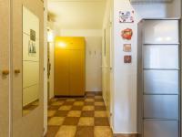 Předsíň a (Prodej bytu 2+kk v družstevním vlastnictví 43 m², Praha 6 - Řepy)