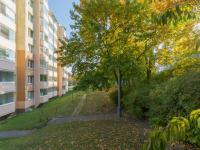 Pohled na dům b (Prodej bytu 2+kk v družstevním vlastnictví 43 m², Praha 6 - Řepy)