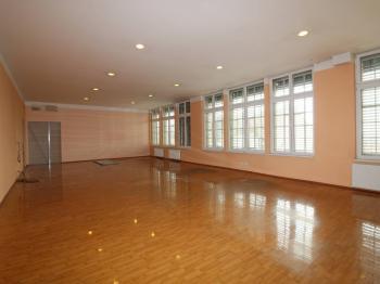 Pronájem kancelářských prostor 530 m², Praha 3 - Vinohrady