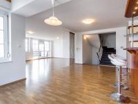 Pronájem domu v osobním vlastnictví, 377 m2, Praha 4 - Modřany