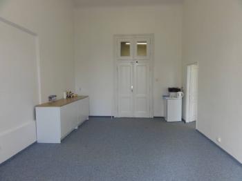 Pronájem komerčního prostoru (kanceláře), 90 m2, Praha 5 - Smíchov