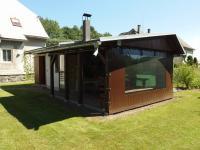 zděný zahradní domek s krbem (Prodej domu v osobním vlastnictví 280 m², Staré Město)