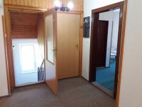 chodba v 2NP (Prodej domu v osobním vlastnictví 280 m², Staré Město)
