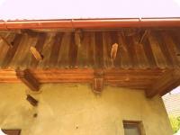 Součástí stodoly jsou holubníky z jedlového dřeva (Prodej historického objektu 80 m², Včelákov)