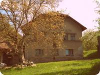 Pohled na mlýn od silnice (Prodej historického objektu 80 m², Včelákov)