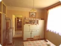 Obytná místnost 1- místnosti jsou průchozí (Prodej historického objektu 80 m², Včelákov)