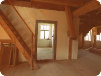 """1. Patro pohled do tzv. \""""šalandy\""""y (Prodej historického objektu 80 m², Včelákov)"""