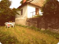 Travnatá terasa k posezení (Prodej chaty / chalupy, Mistrovice)