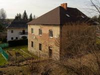Pohled ze zahrady (Prodej domu v osobním vlastnictví 428 m², Opatov)