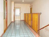 Chodba 1. patro (Prodej domu v osobním vlastnictví 256 m², Horní Třešňovec)