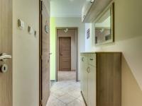 předsíň (Prodej bytu 3+1 v osobním vlastnictví 68 m², Olomouc)