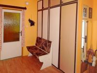 Prostorná chodba (Prodej bytu 4+1 v osobním vlastnictví 93 m², Záchlumí)