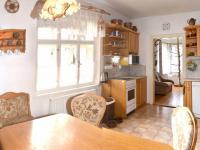 Kuchyň (Prodej domu v osobním vlastnictví 230 m², Oskava)