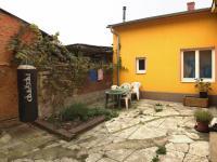 společný dvorek (Prodej bytu Atypický v osobním vlastnictví 138 m², Olomouc)