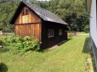 kůlna na stroje a nářadí a sklad na západnístraně od domu (Prodej domu v osobním vlastnictví 160 m², Záchlumí)