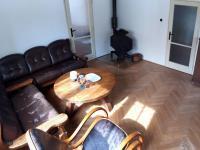 obývací pokoj (Prodej domu v osobním vlastnictví 160 m², Záchlumí)