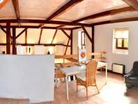 galerie  (Prodej domu v osobním vlastnictví 200 m², Líšnice)