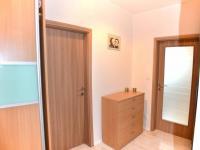 chodba (Prodej bytu 2+kk v osobním vlastnictví 65 m², Olomouc)