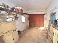 garáž (Prodej domu v osobním vlastnictví 112 m², Ostrov)