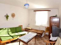 ložnice (Prodej domu v osobním vlastnictví 112 m², Ostrov)