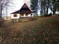 vzdálenější pohled od jihu (Prodej chaty / chalupy 94 m², Liberk)