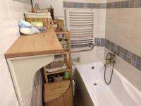 koupelna (Prodej bytu 3+kk v osobním vlastnictví 54 m², Olomouc)