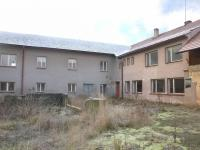 Zadní pohled na kancelářskou část (Prodej nájemního domu 1100 m², Horní Čermná)