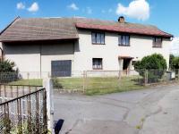 Pohled na dům z přístupové komunikace (Prodej domu v osobním vlastnictví 137 m², Čermná nad Orlicí)