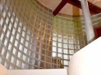 schodiště s luxfery (Prodej chaty / chalupy 200 m², Líšnice)