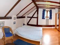 pokoj v 1 patře (Prodej chaty / chalupy 200 m², Líšnice)