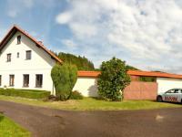 pohled na dům (Prodej chaty / chalupy 200 m², Líšnice)