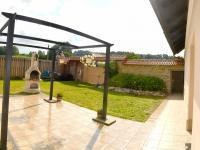 dvůr s branou (Prodej chaty / chalupy 200 m², Líšnice)