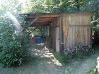 ZASTŘEŠENÝ KARAVAN (Prodej pozemku 1249 m², Křečovice)