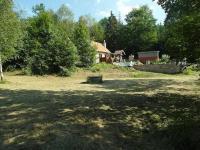 POHLED K PŘÍJEZDOVÉ CESTĚ (Prodej pozemku 1249 m², Křečovice)